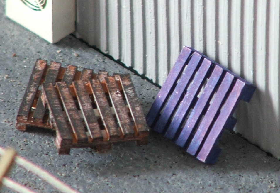WOODEN PALLETS TEN PACK