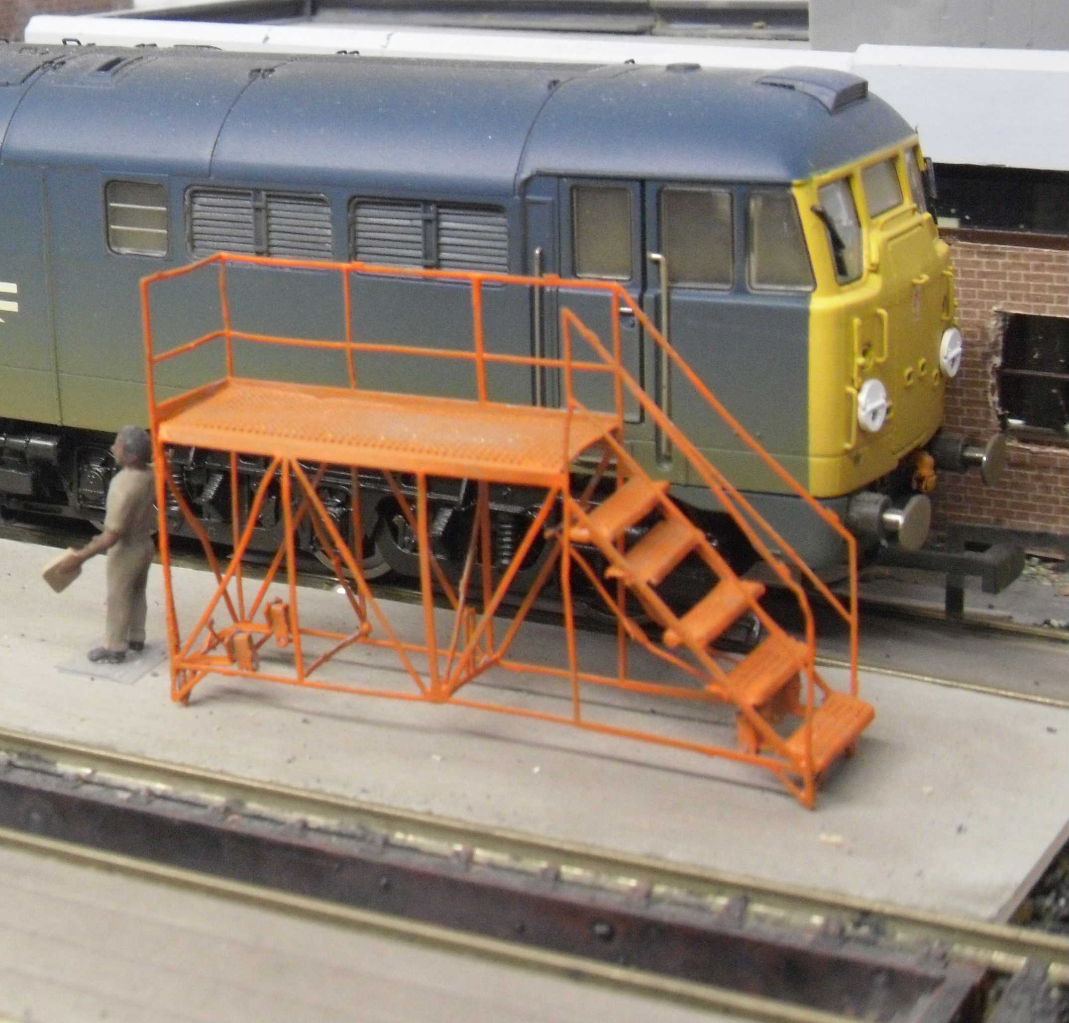 LOCO INSPECTION PLATFORM – READY BUILT